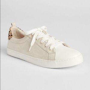 GAP lace up sneaker sand